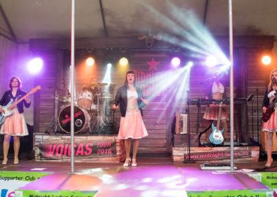 """Die """"Tanz mit uns im Mai"""" Party mit der Midnight Ladies Partyband. Foto: Stephan Benz"""